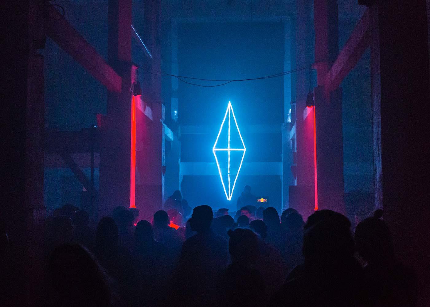 Neon VI